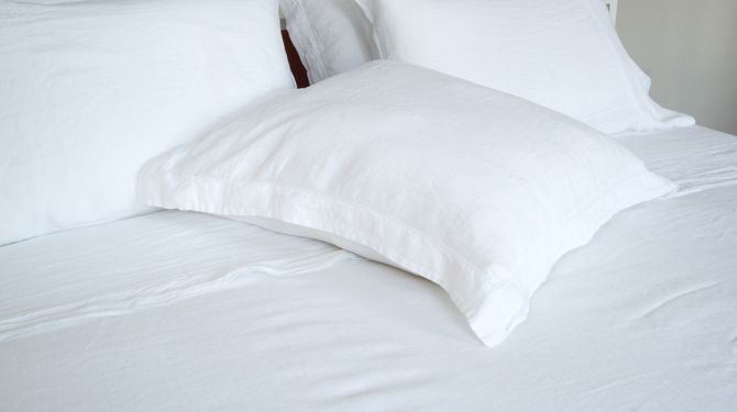 Linen bedding sheets and pillowcases