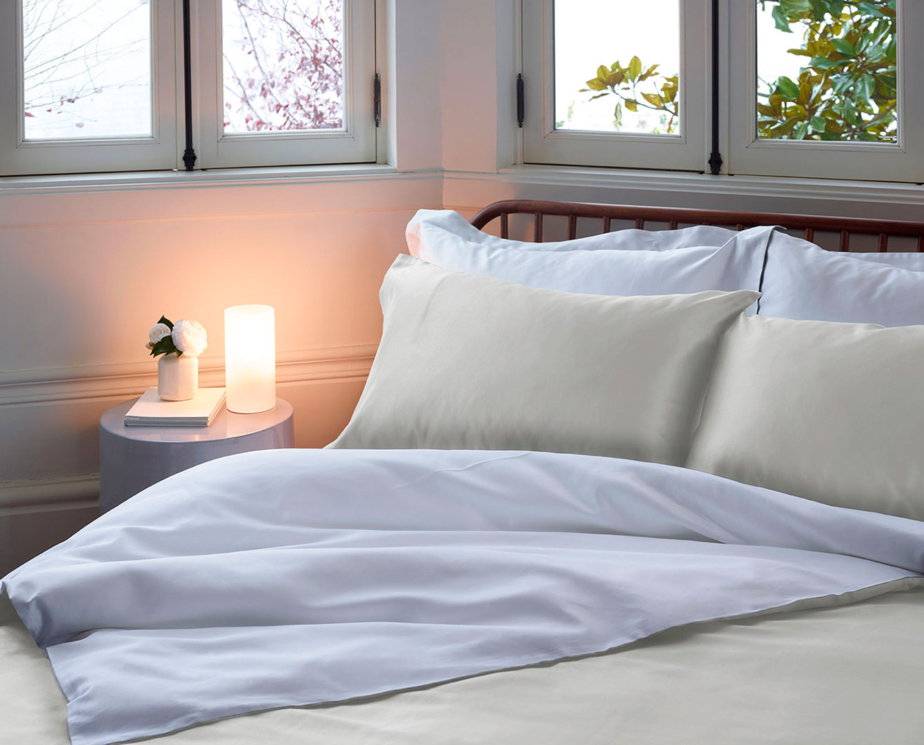 How to perfectly style your bed